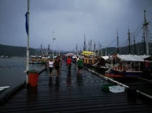 pantalan de barcos para turistas