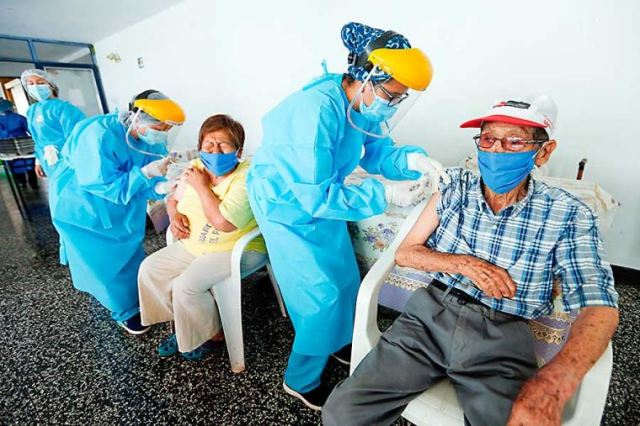 Ejecutivo presenta nuevo plan de vacunación masiva