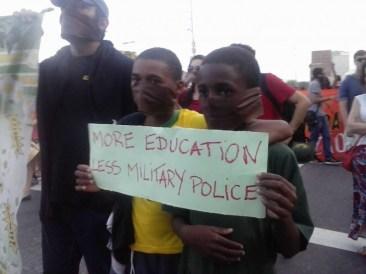 Más educacion, menos policia militar