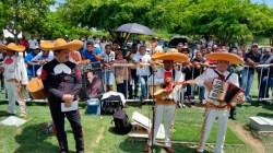 Con mariachis le dieron serenata al 'Cacique'. Carlos Mario Jiménez/EL PILÓN.