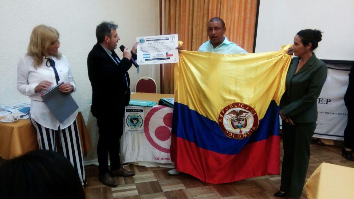 Limber Redondo de Armas, presidente ejecutivo de Funema, recibió el reconocimiento de Misionero de Paz.