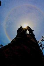 El monumento de la `Pilonera Mayor`, Consuelo Araujonoguera bajo el abrigo del sol de la capital vallenata.