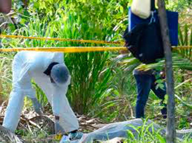 Las autoridades judiciales recogen evidencias para tratar de identificar y ubicar a los responsables del macabro crimen perpetrado en Chiriguaná.