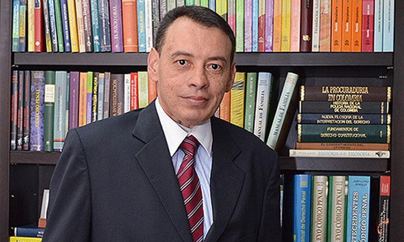 Actualmente Francisco Javier Farfán se desempeñaba como abogado consultor y docente universitario.