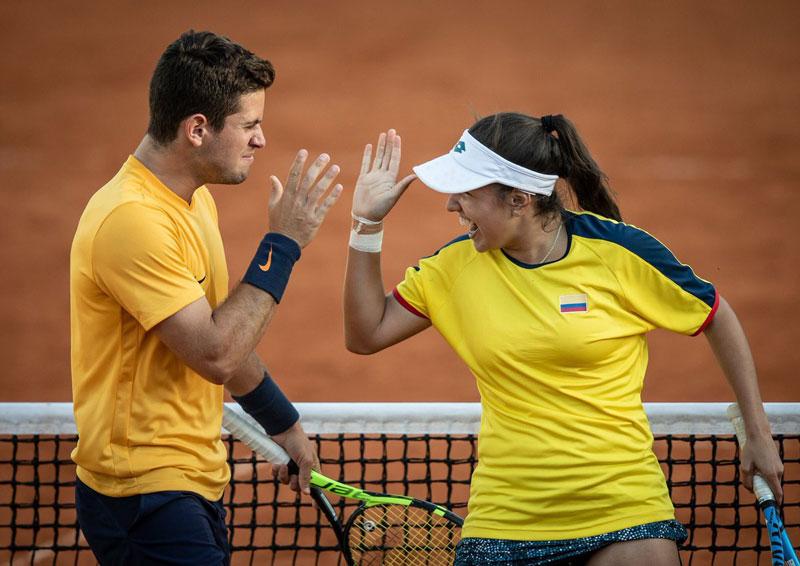 Los tenistas colombianos Nicolás Medina y Camila Osorio hicieron historia en Argentina