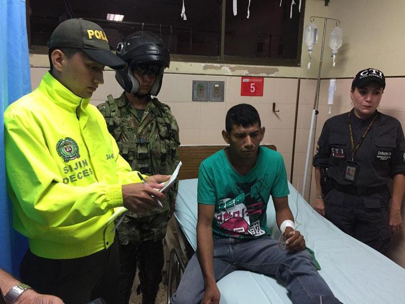 José Alfredo Cotes siendo detenido.