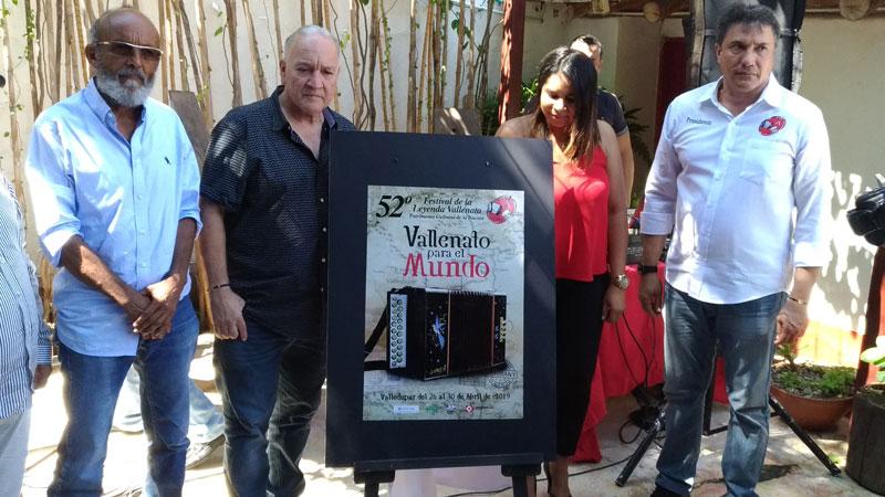 El afiche fue presentado por las directivas de la Fundación ayer en la tienda Compai Chipuco.