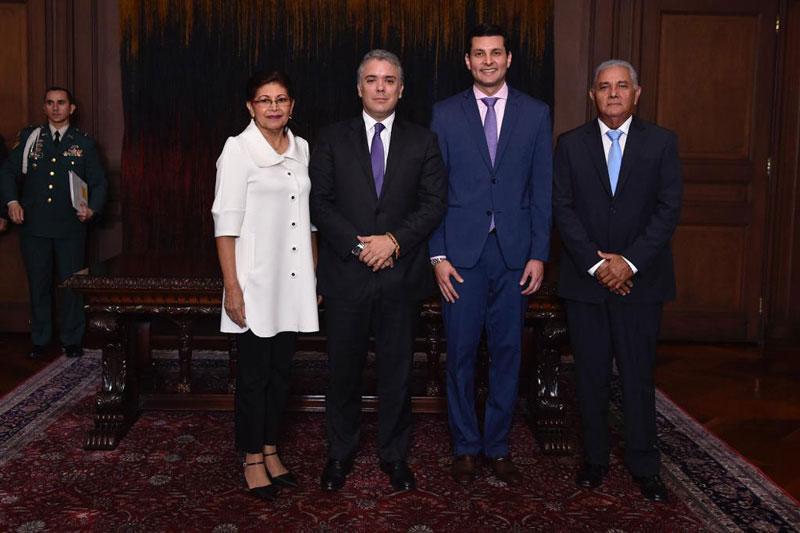 Juan Miguel Villa Lora se posesionó ante el presidente de la República, Iván Duque Márquez.