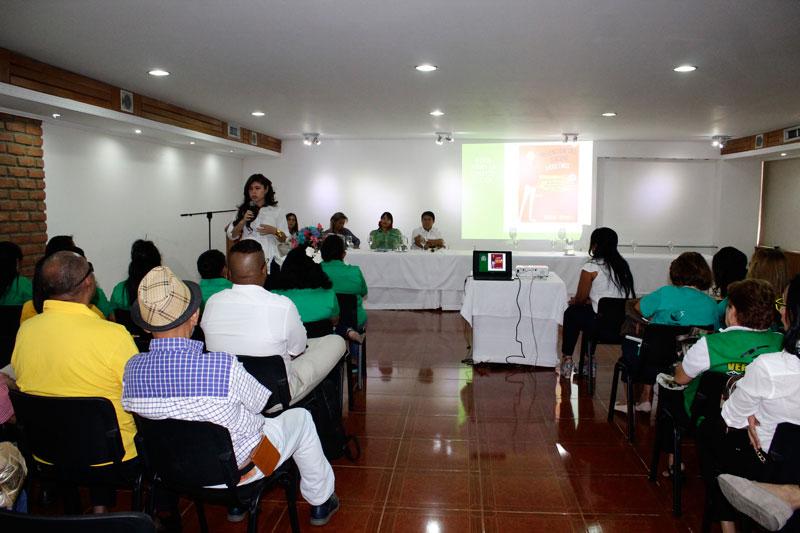En el hotel Sicarare se presentó la línea de atención 125 para la prevención del suicidio; además, expertos hablaron sobre la salud mental.