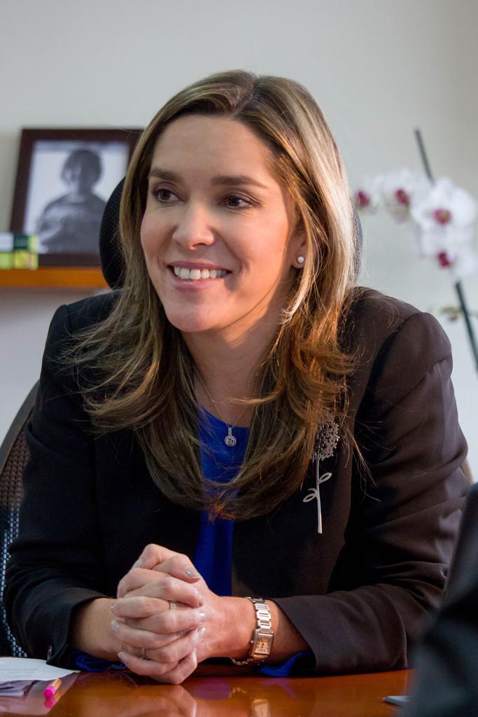 La ministra de Minas, María Fernanda Suárez, habló  con EL PILÓN sobre energía solar