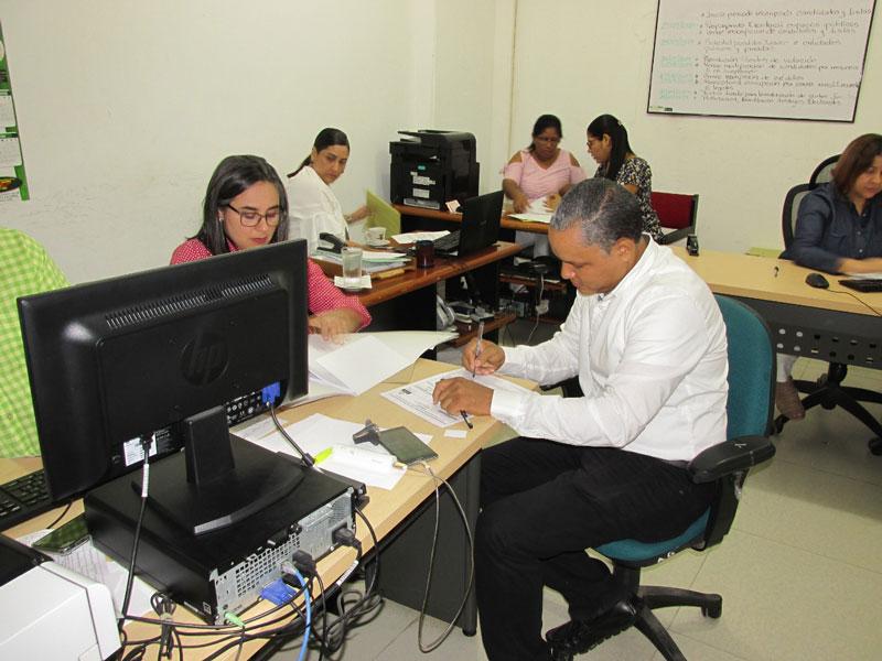 Jesús España se inscribió por Colombia Justa Libres, como candidato a la Alcaldía de Valledupar.  Foto: Cortesía.
