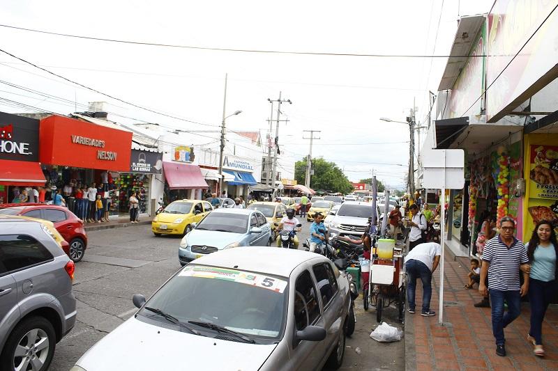 Con el ánimo de mejorar los índices de empleo en Valledupar, la administración municipal firmó un convenio con el Ministerio de Trabajo y la Caja de Compensación Familiar del Cesar, Comfacesar.  FOTO: JOAQUÍN RAMÍREZ