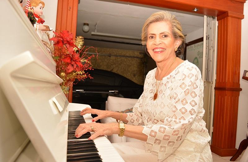 La reconocida compositora, pianista, guitarrista y presidenta de Sayco, Rita Fernández, ha programado una serie de conciertos didácticos que se iniciarán en la ciudad de Valledupar.  FOTO: ARCHIVO.