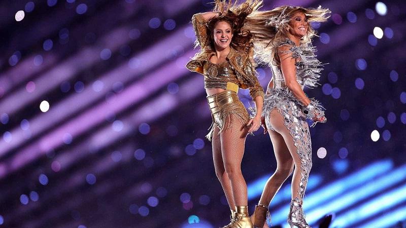 Shakira y Jennifer Lopez durante su presentación en el Super Bowl.   FOTO/CORTESÍA.