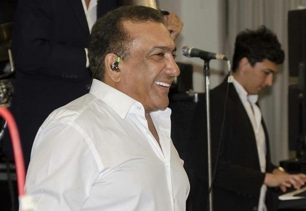 El cantante Beto Zabaleta dijo que autorizó la proyección de su presentación, pero aclaró que no tiene ninguna relación con la organización del evento.  FOTO/CORTESÍA.