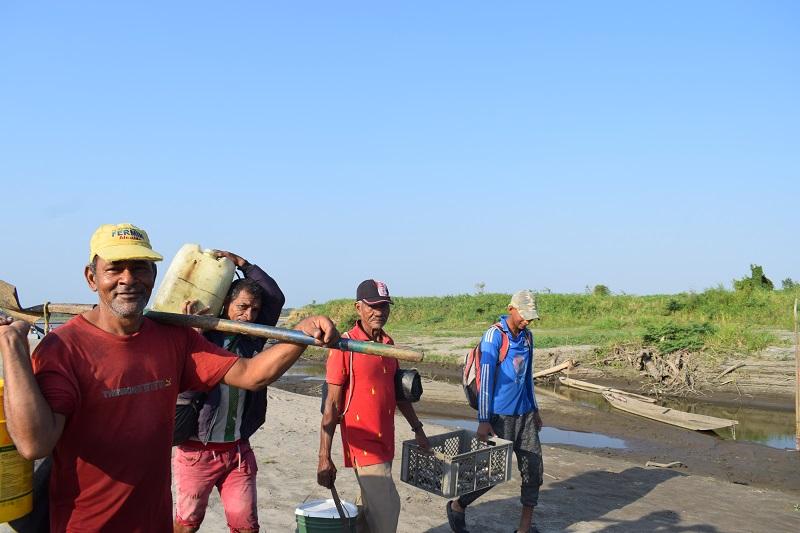 Poblaciones como los pescadores se están quedando atrás culpa de choques naturales como el cambio climático.  FOTO/DEIVIS CARO.