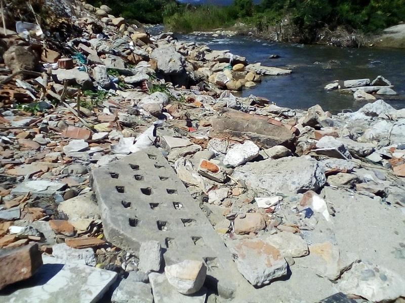 Los escombros fueron hallados en inmediaciones del barrio Pescaíto.   FOTO/CORTESÍA.