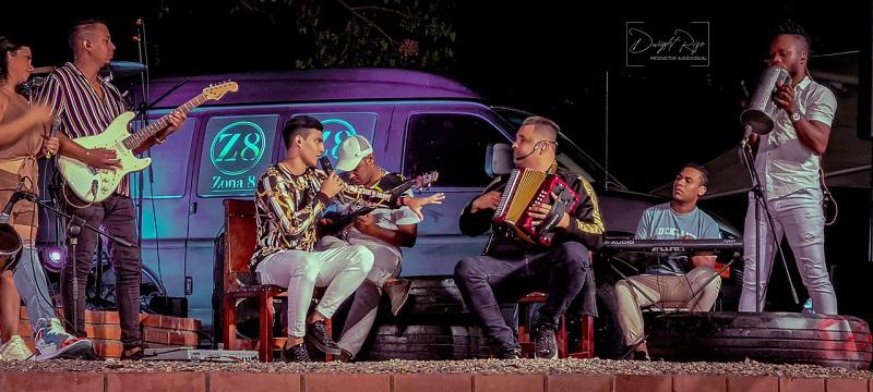 Luifer Mercado es uno de los vocalistas de La Zona 8, la agrupación liderada por Rolando Ochoa.   FOTO/CORTESÍA.