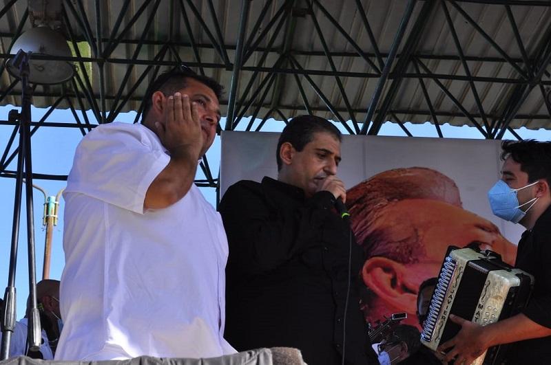 Jorge Luis y José Jorge homenajearon a su padre en el municipio de La Paz, en el marco del homenaje póstumo al 'Jilguero de América'.   FOTO/JOAQUÍN RAMÍREZ.