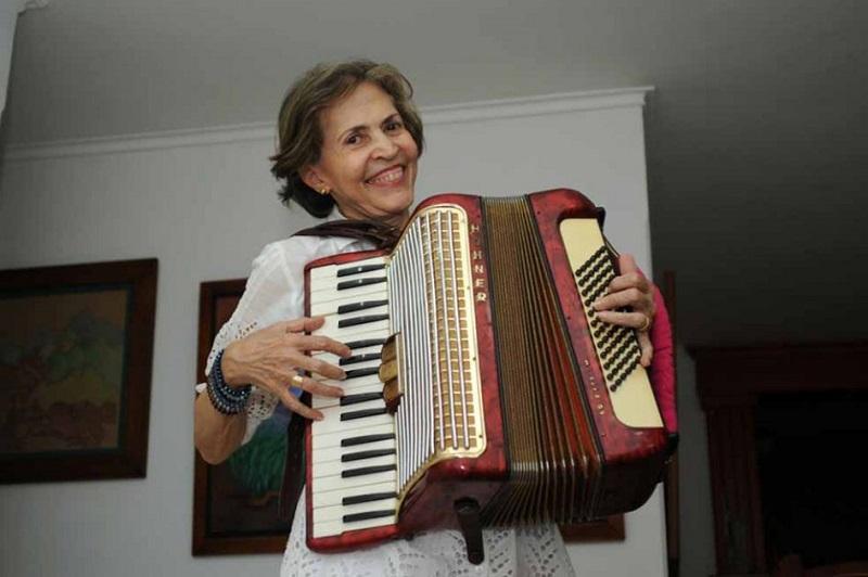 La juglaresa Rita Fernández Padilla cumplió el 21 de junio 75 años de edad.     FOTO: CORTESÍA.