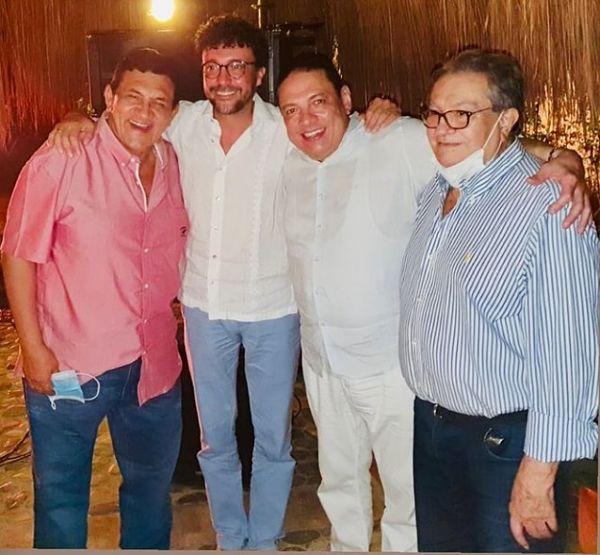 Andrés Cepeda junto a Poncho Zuleta, 'Cocha' Molina y Darío Pavajeau.   FOTO: INSTAGRAM.