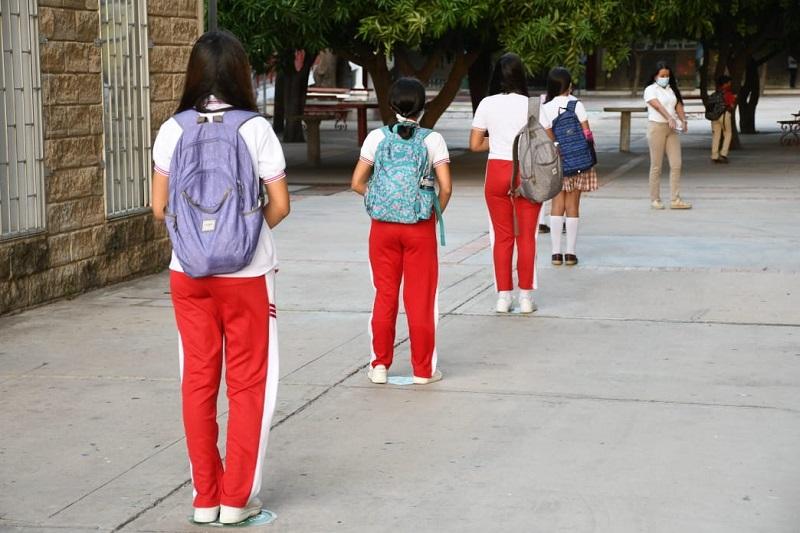 Los padres de familia interpondrán todos los recursos jurídicos posibles para suspender la presencialidad educativa.   FOTO: JOAQUÍN RAMÍREZ.