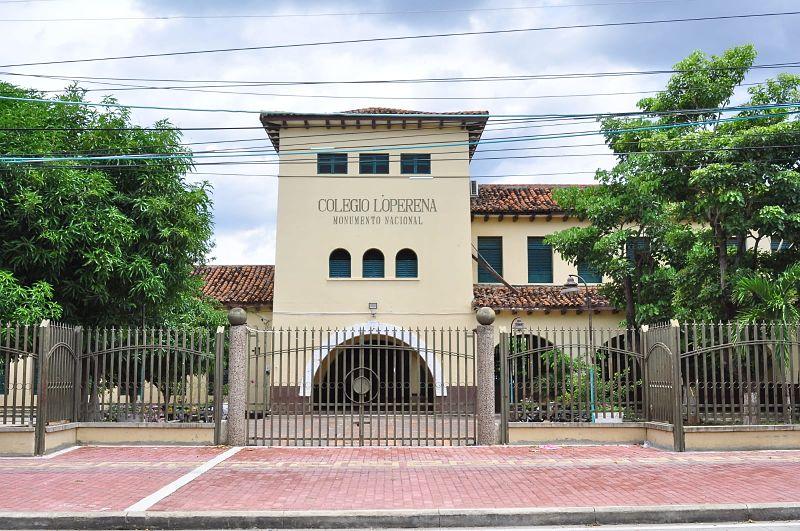 Solo un estudiante del Colegio Nacional Loperena recibirá clases virtuales.  Foto: Joaquín Ramírez.