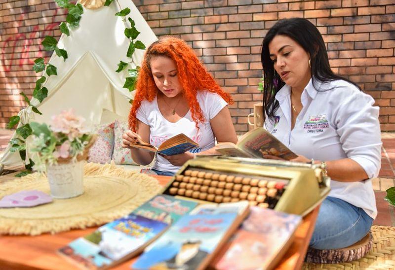 Más de 150 personas participaron del Trueque Literario.   FOTO: CORTESÍA.