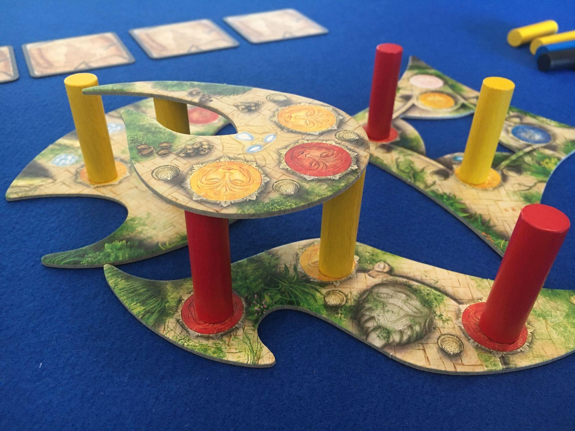Colocando un piso en Menara juego de mesa