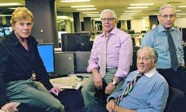 Robert Redford junto a Bob Woodward, Carl Bernstein y Ben Bradlee.