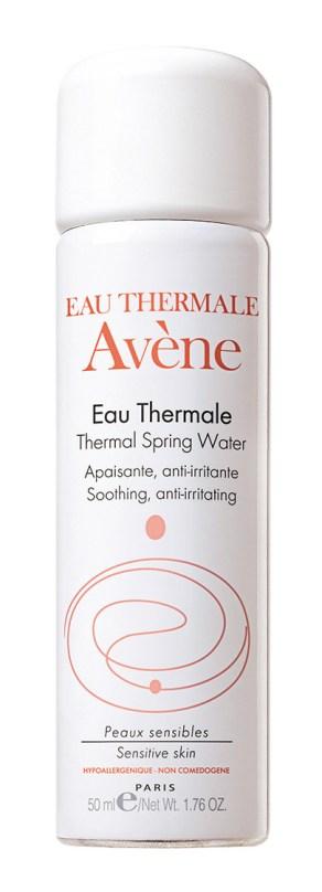 Agua termal, de Avène. Devuelve la hidratación y calma la irritación de la piel.