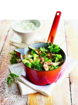 Kokoshähnchen mit Gemüse und Reis