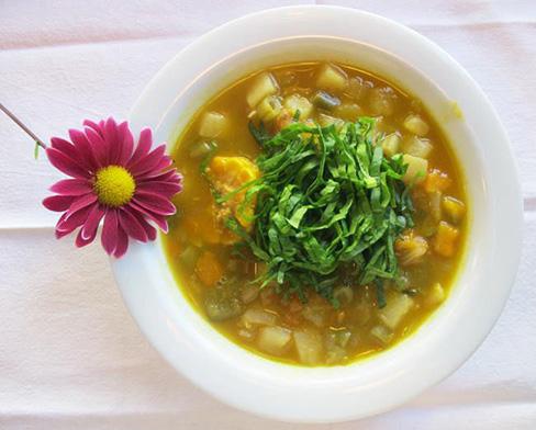 La sopa es el emblema del comfort food, remite inmediatamente al calor de hogar. Aquí, la versión de Rita, en Chacarita.