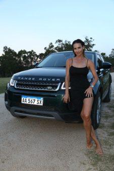 María Vázquez, reconocida modelo y esposa del polista Adolfo Cambiaso, otra de las figuras públicas en el evento que realizaron Jaguar y Land Rover en conjunto.