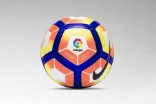 Logo en un balón de fútbol