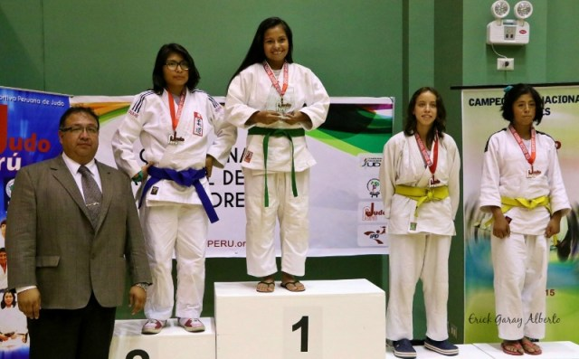 Femenino -48 Kg. 1. Chrisel Huaraca (Guadalupe) 2. Sheyla Aranda (IPD Ayacucho) 3. Ana Machazek (Nippi) 3. Flor Zambrano (Olympique)