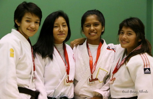 Femenino -52 Kg. 1 Brillith Gamarra (IPD Ayacucho) 2. Antuanet Borja (Academia) 3. Marian Flores (Intipa) 3. María Fe Vílchez (Takenori Ito)