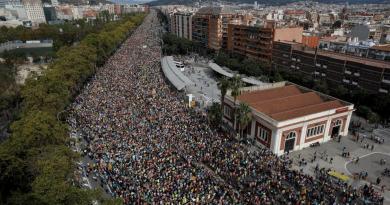 El centro de Barcelona se llena con las 'marxes per la llibertat'
