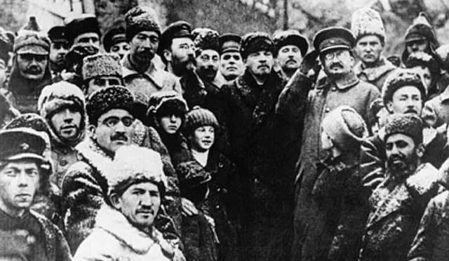 ¿Qué consiguió la Revolución Rusa y por qué degeneró?