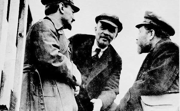 El encuentro de Lenin y Trotsky: la célebre Tesis de Abril