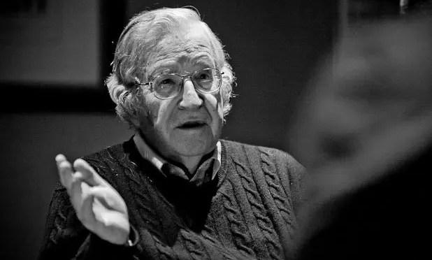 "Entrevista a Noam Chomsky: en la era Trump, graves amenazas para la ""vida humana organizada"""