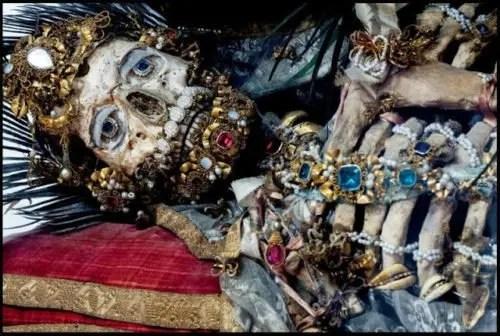La visita de Bergoglio y los mercaderes