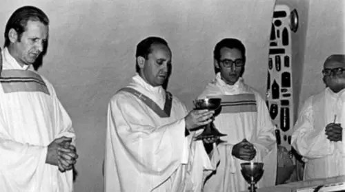 El cambio de piel de Bergoglio, el Papa delator
