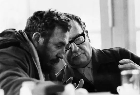 Salvador Allende y Fidel Castro entrevistados por Augusto Olivares