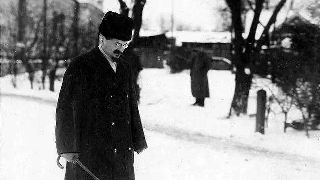 León Trotsky: Tres concepciones de la Revolución Rusa