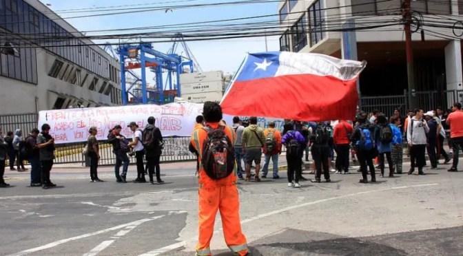 Von Appen nuevamente incumple acuerdos: vuelven los portuarios a la calle