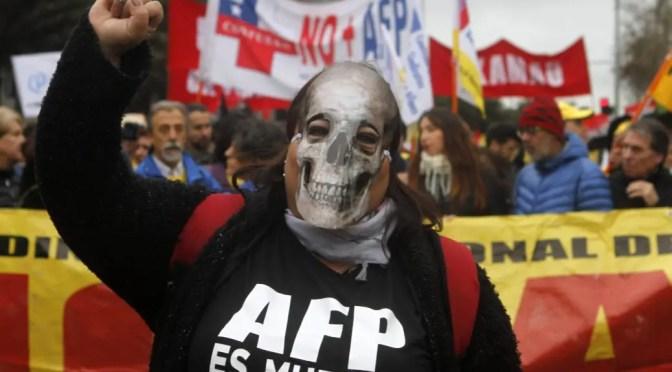 La reforma de Piñera al sistema de pensiones es un retroceso