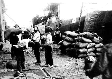Raíces del conflicto portuario