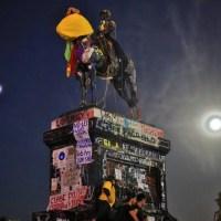 Plaza de la Dignidad: una crónica de la Zona Cero