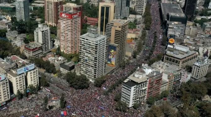 El 8M noqueó a Piñera: vuelve a plantearse la necesidad de un Paro Nacional